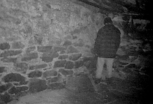 blair witch project ending explanation The blair witch project at one point they walk south all day and end up at the same spot what the witch considering that the nature of the blair witch.