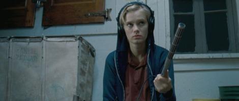 the innkeepers movie sara paxton blue sweatshirt