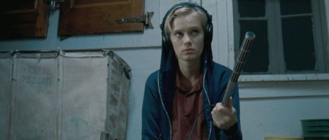 the innkeepers movie sara paxton blue sweatshirt
