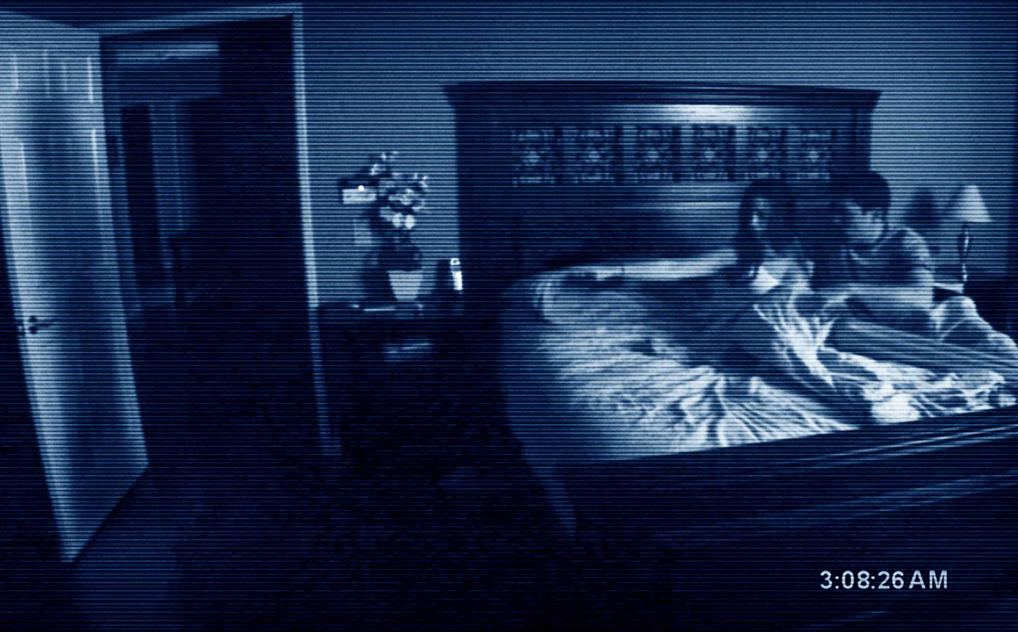Paranormal Activity - Hành động siêu linh Paranormal-activity-movie-katie-featherstone-micah-sloat