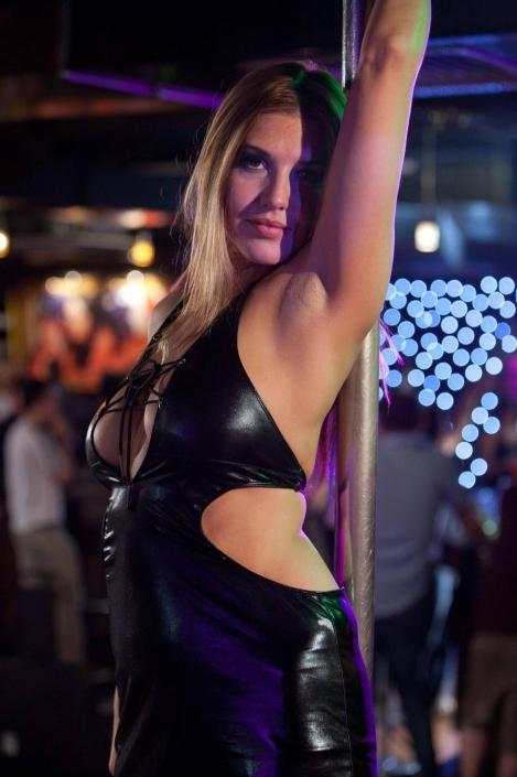 strippers vs werewolves Barbara Nedeljakova