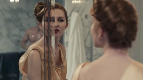 kiss of the damned Joséphine de La Baume mirror