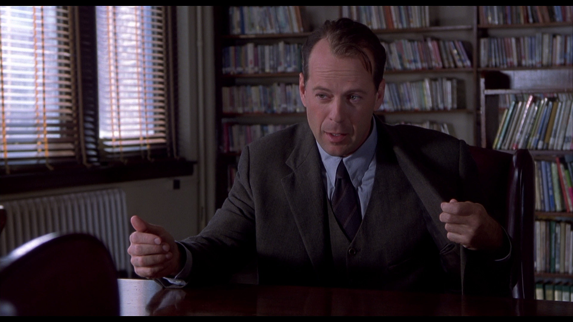 reactions about the movie sixth sense The sixth sense came out 15 years ago today, and it still contains the greatest twist ending since its release postmillennial films like identity and memento were excellent in the same pursuit, but the '90s were the greatest era of plot-warping finale mind enemas to ever grace the silver screen.
