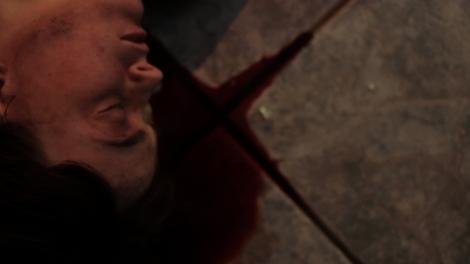 thanatomorphose kayden rose floor blood head