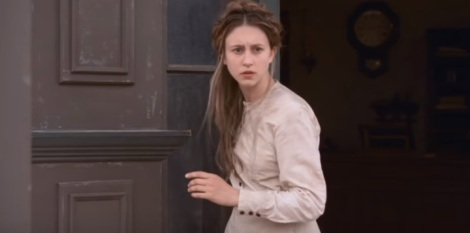 in-a-valley-of-violence-movie-2016-taissa-farmiga