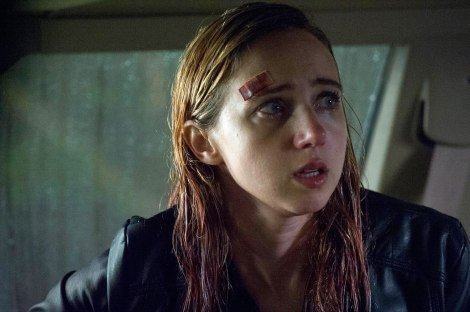 the-monster-movie-2016-zoe-kazan-car-rain